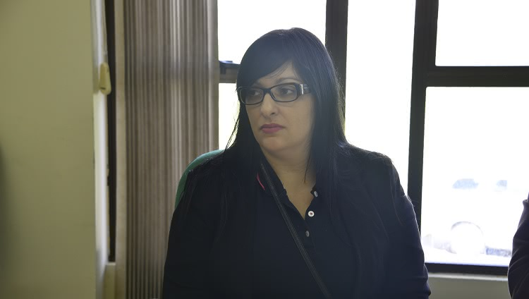 A foto destaca a nova docente do Campus Santo Antônio da Patrulha, Vanessa Pires.