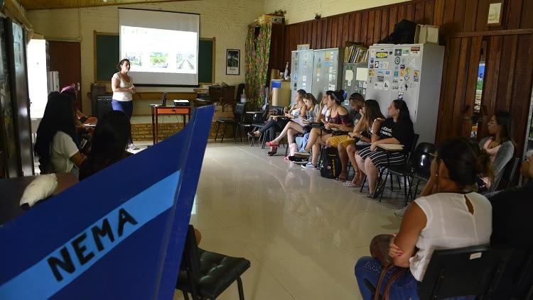 Calouros do curso de Gestão Ambiental em visita à Estação Ecológica do Taim