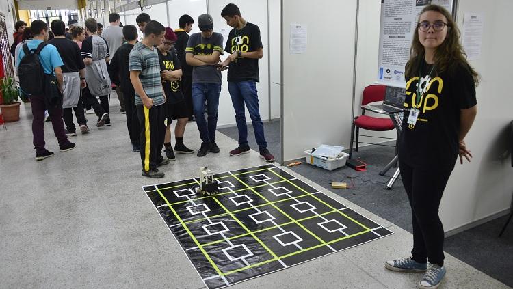 Imagem detalha protótipo ao chão